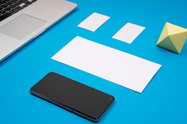 Mockup di branding mobile Foto Premium