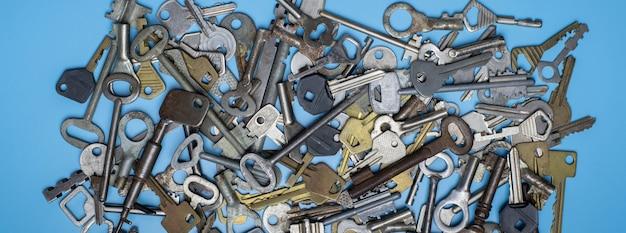 Modello di diversi tipi di chiavi Foto Premium