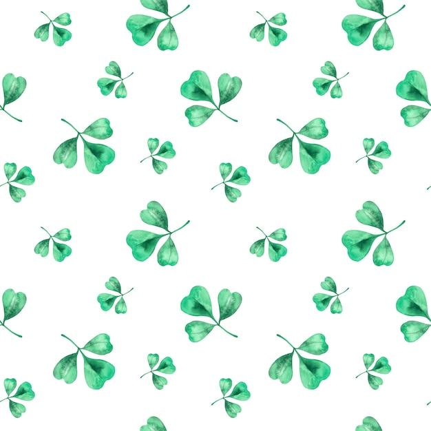 Modello di trifoglio senza giunte dell'acquerello schema di trifoglio con tre foglie per il giorno di san patrizio. Foto Premium