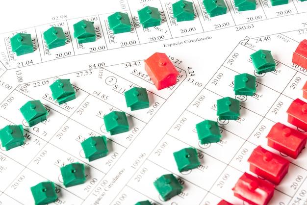 Modello di vista superiore di strade con case Foto Gratuite