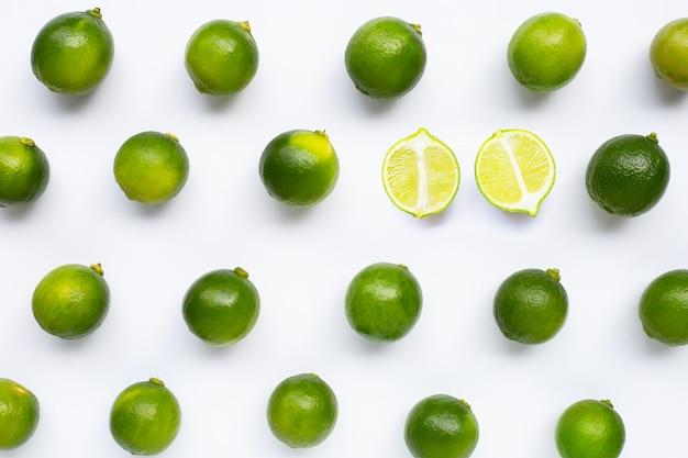 Modello isolato di lime freschi Foto Premium