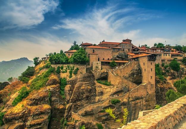 Monasteri di meteora, grecia Foto Premium