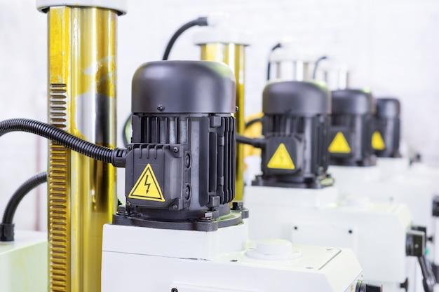 Motori elettrici neri. Foto Premium