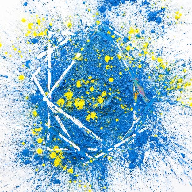 Mucchio di colori asciutti brillanti azzurri e gialli Foto Gratuite