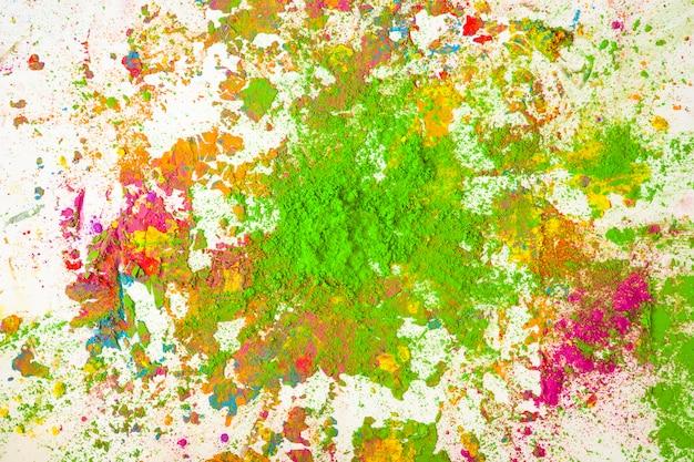Mucchio di colori verdi su colori asciutti e brillanti Foto Gratuite