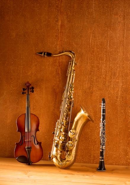Musica classica sax sax tenore e clarinetto vintage Foto Premium