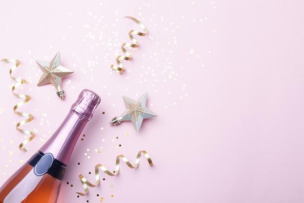 Natale piatto disteso con champagne Foto Premium
