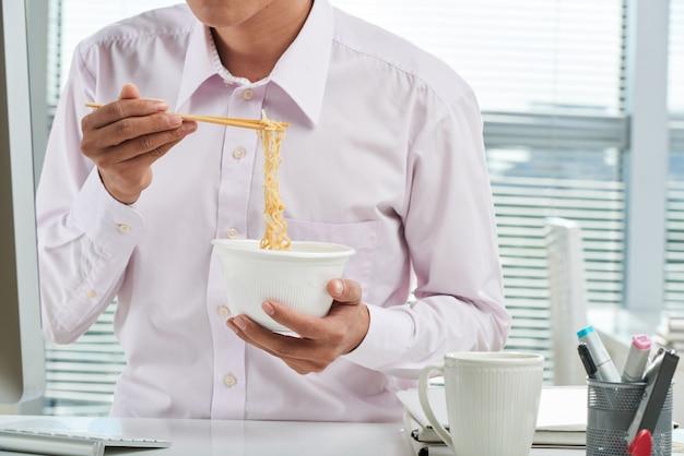 Noodle istantanei Foto Gratuite