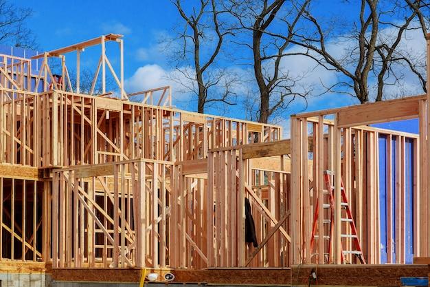 Nuova costruzione di una casa nuova costruzione di una casa Foto Premium