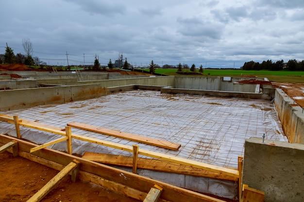 Nuova fondazione casa in costruzione Foto Premium