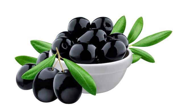 Olive nere in ciotola su superficie bianca Foto Premium
