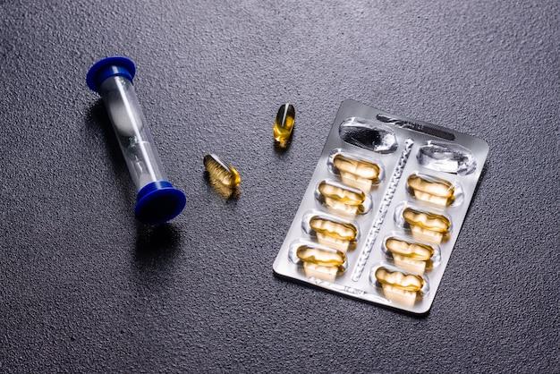 Omega 3 capsule. supplementi dietetici Foto Premium