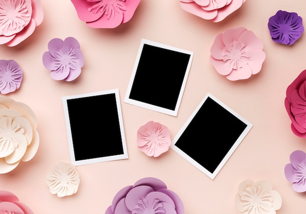 Ornamento floreale di carta con foto Foto Gratuite
