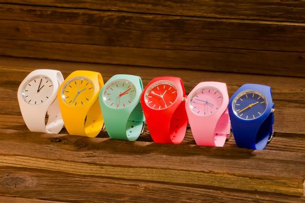 Orologio sportivo multicolore Foto Premium