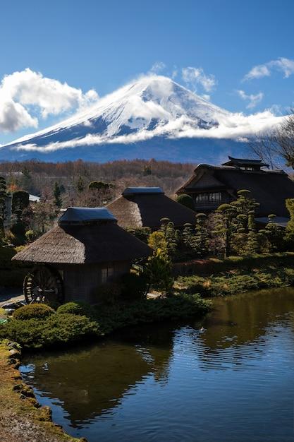Oshino hakkai village Foto Premium