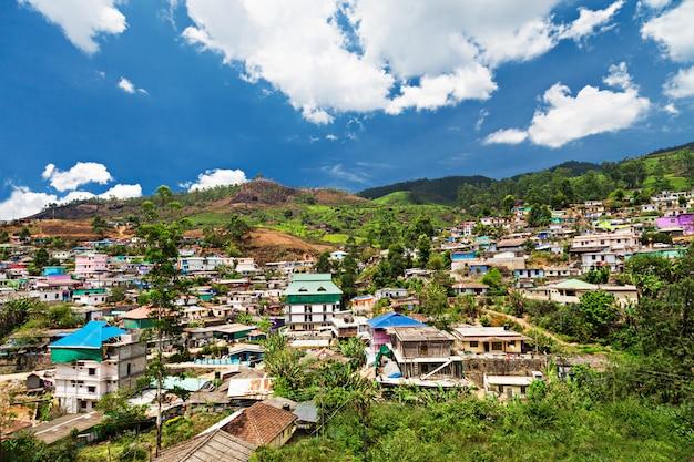 Paesaggio della città di munnar Foto Premium
