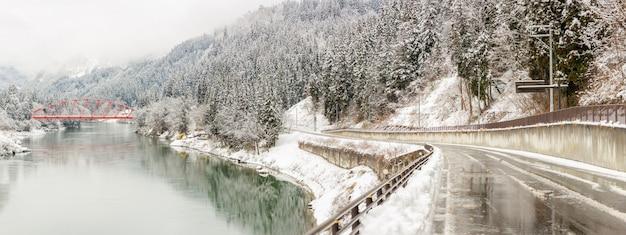Paesaggio invernale giappone Foto Premium