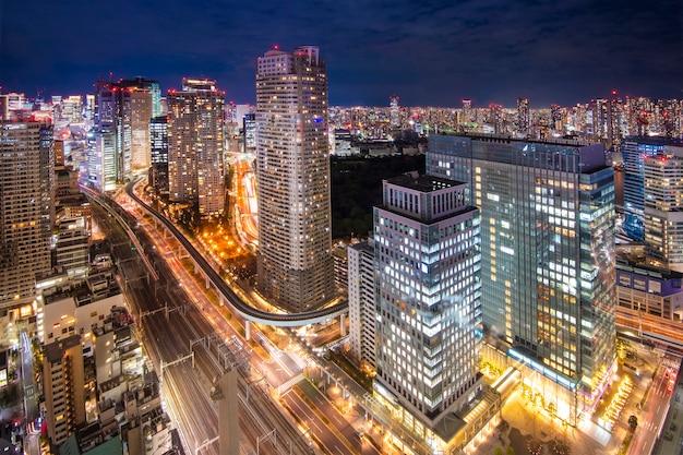 Paesaggio urbano dell'orizzonte di tokyo al crepuscolo Foto Premium