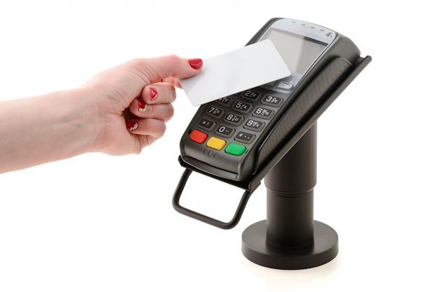 Pagamento con carta contactless tramite il terminale pos Foto Premium