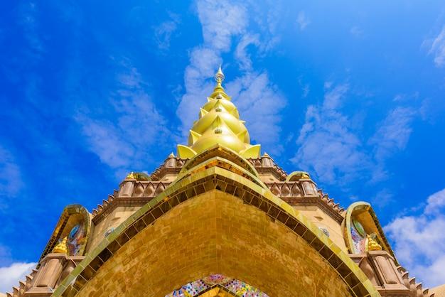Pagoda principale in tempio di wat phra that pha son kaew a phetchabun tailandia Foto Premium