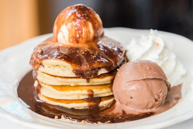 Pancake al cioccolato Foto Gratuite