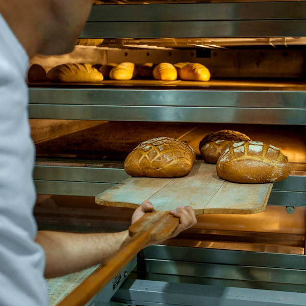Pane fresco cotto in forno Foto Gratuite