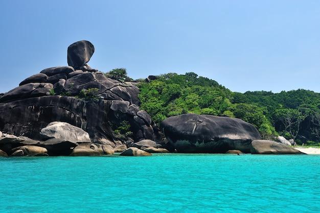 Paradiso tropicale, isole similan, mare delle andamane, thailandia Foto Premium