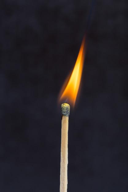 Partita in fiamme Foto Premium