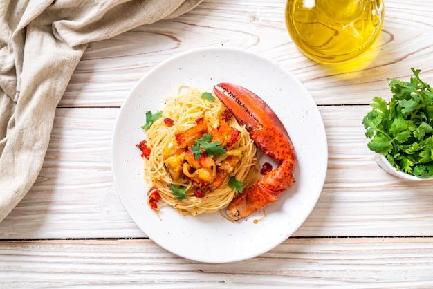 Pasta all'astice o spaghetti all'aragosta Foto Premium