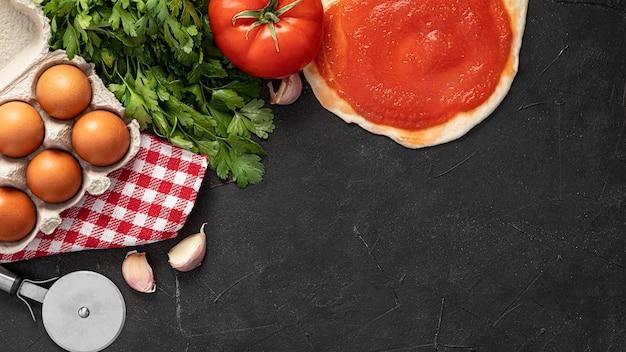 Pasta per pizza e ingredienti Foto Gratuite
