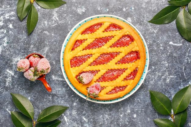 Pasticceria dolce al forno della torta della marmellata di fragole Foto Gratuite