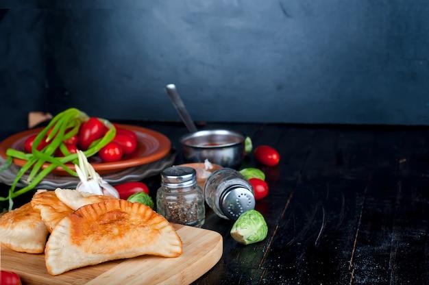 Pasties freschi al forno Foto Premium