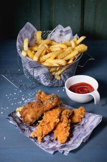 Patatine fritte con patate Foto Premium