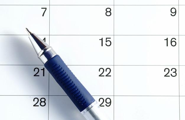 Penna e calendario Foto Premium