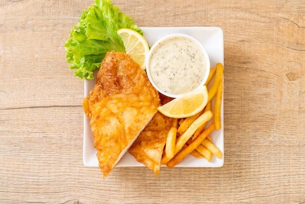 Pesce e patatine Foto Premium