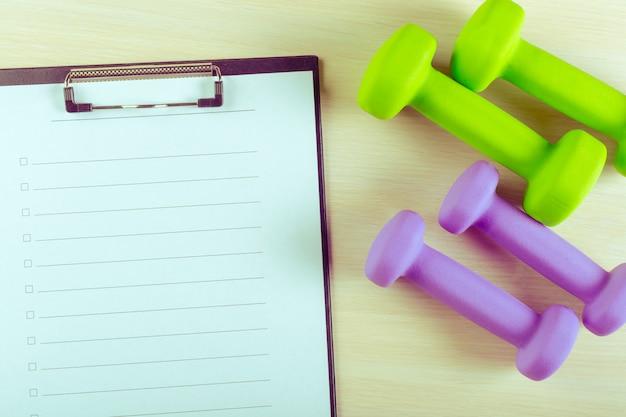 Piano di allenamento e attrezzature sportive Foto Premium