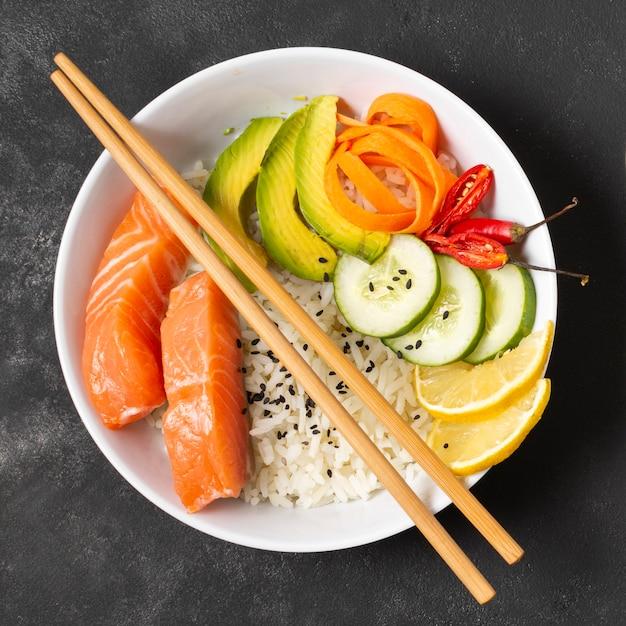 Piastra con sushi fresco Foto Gratuite