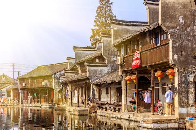 Piastrelle strade pier vecchia casa cinese Foto Gratuite
