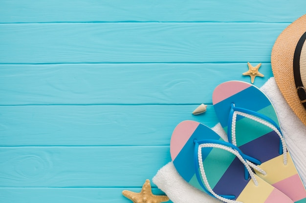 Piatto concetto di vacanza estiva laici con lo spazio della copia Foto Gratuite