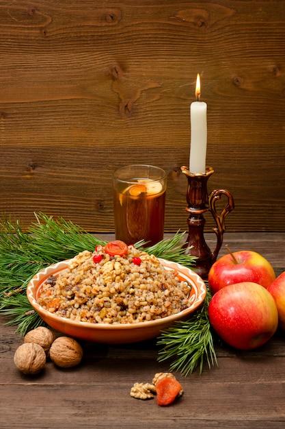 Piatto della tradizionale tradizione slava alla vigilia di natale. Foto Premium