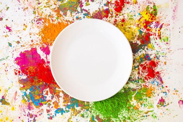 Piatto su sfocature di diversi colori secchi brillanti Foto Gratuite