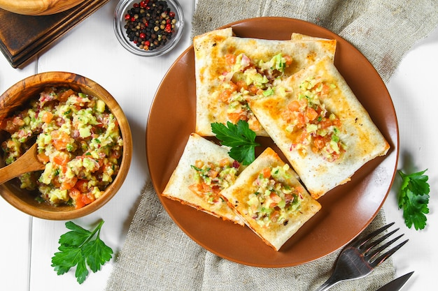 Piatto tradizionale messicano - chimichanga. Foto Premium
