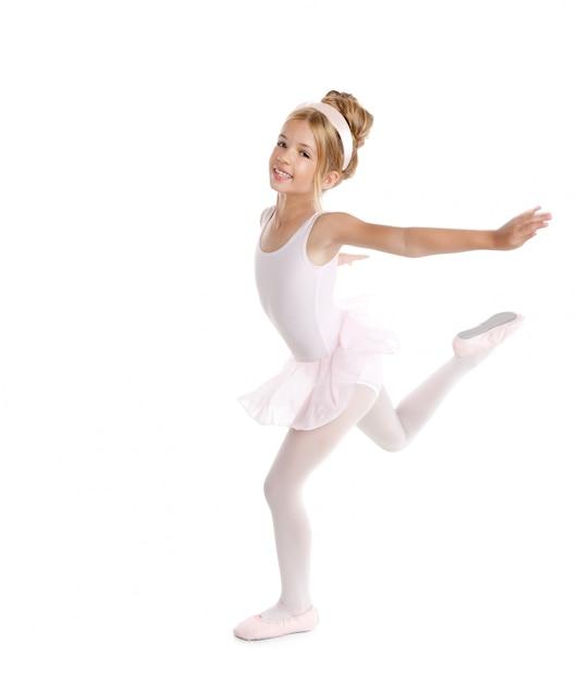 Piccolo ballerino dei bambini di balletto della ballerina che balla sul bianco Foto Premium