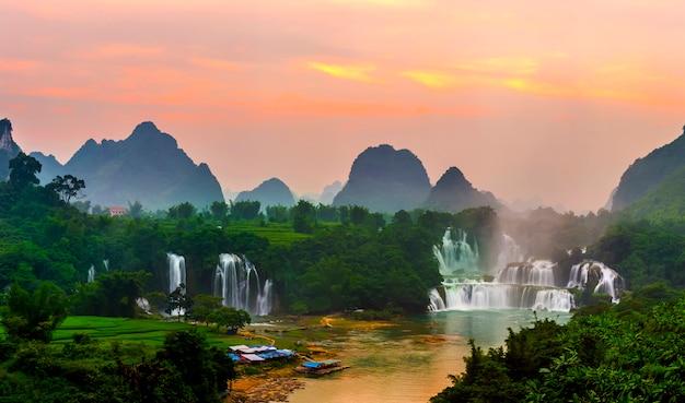 Pietra naturale della porcellana vietnam di viaggio fresca Foto Gratuite