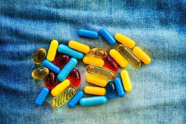 Pillole di potenza medica per la salute sessuale in capsule. Foto Premium