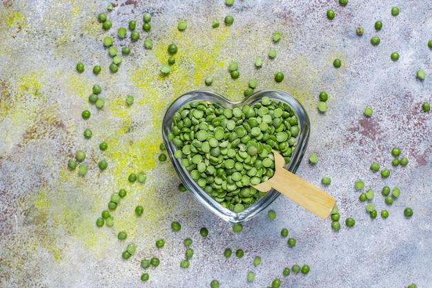Piselli spezzati verdi, vista dall'alto Foto Gratuite