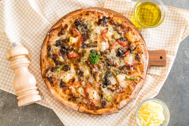 Pizza di maiale barbecue Foto Premium