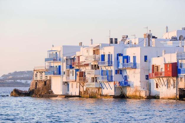 Poca venezia nell'isola di mykonos grecia cicladi Foto Premium
