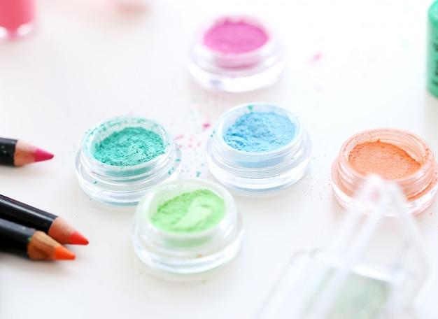 Polveri cosmetiche colorate Foto Gratuite
