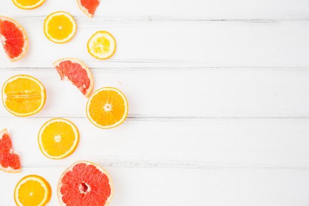 Pompelmi e arance fresche Foto Gratuite